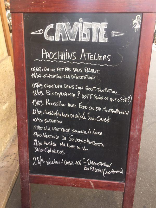 les dégustations chez le Caviste le Sourire au pied de l'échelle en juillet